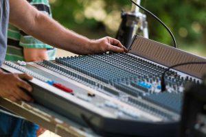 Tontechnik und vieles mehr gibt es in unserem Eventbedarf-Verleih